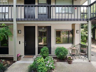 Lake Oswego Condo/Townhouse For Sale: 668 McVey Ave #10