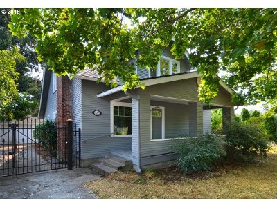 Cottage Grove Single Family Home For Sale: 422 S 3rd St