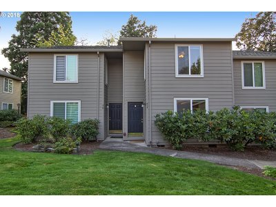 Condo/Townhouse For Sale: 10900 SW 76th Pl #51
