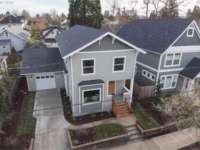 Single Family Home For Sale: 930 NE Sumner St