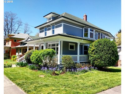 Portland Single Family Home For Sale: 2451 SE Yamhill St