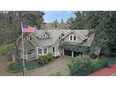 Lake Oswego Single Family Home For Sale: 4933 Lakeview Blvd