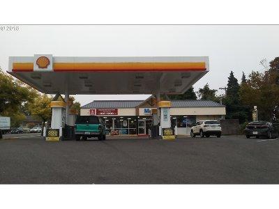Commercial Pending: 8517 SW Terwilliger Blvd