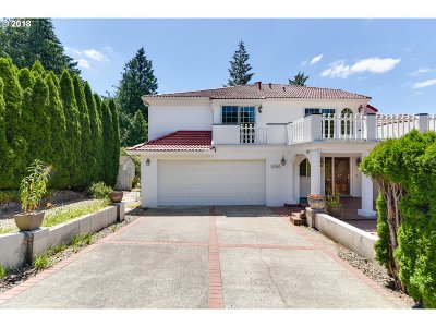Multnomah County Single Family Home For Sale: 5706 SW Hamilton St