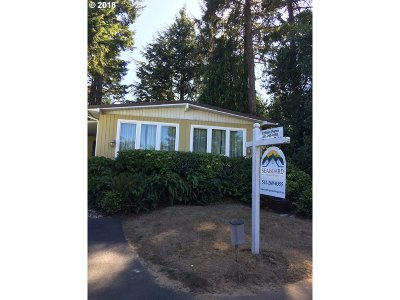 Coos Bay Single Family Home For Sale: 1455 Village Pines Ct