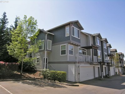 Tigard Condo/Townhouse For Sale: 10771 SW Canterbury Ln #101