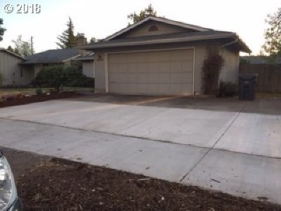 Eugene Single Family Home For Sale: 3916 Pam St