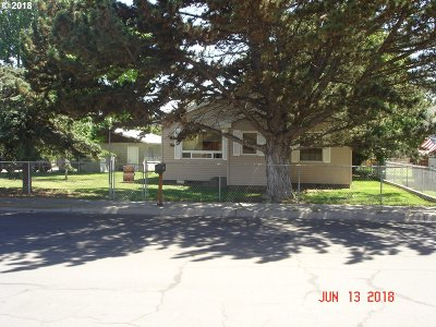 Hermiston Single Family Home For Sale: 425 W Standard Ave
