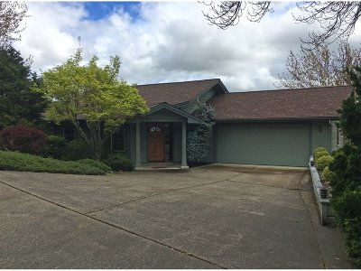 Roseburg Single Family Home For Sale: 2011 NW Excello Dr
