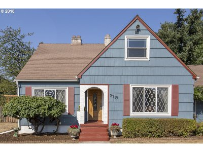 Multnomah County Single Family Home For Sale: 2719 SE 118th Ave