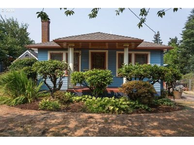 Multnomah County Single Family Home For Sale: 5223 SE 41st Ave