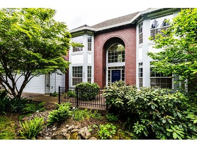 West Linn Single Family Home For Sale: 3528 Vista Ridge Dr