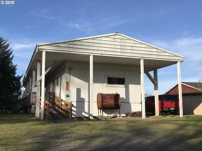 Warrenton Single Family Home For Sale: 89310 Dellmoor Loop