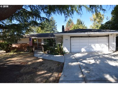 Portland Single Family Home For Sale: 7475 SW 76th Ave