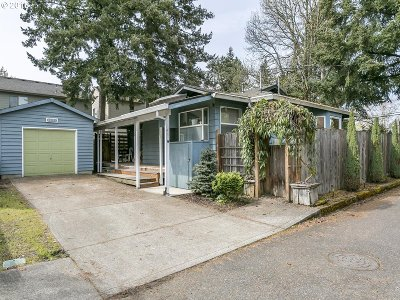 Beaverton Single Family Home For Sale: 15992 SW Gilmore Ct