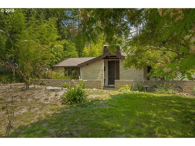 Sutherlin Single Family Home For Sale: 722 Tanglewood St