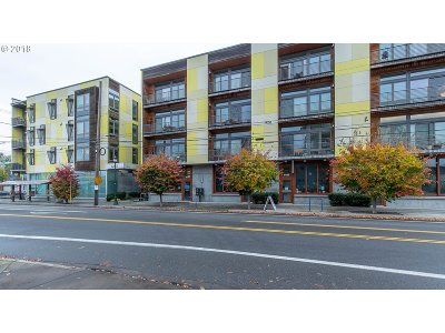 Condo/Townhouse For Sale: 1455 N Killingsworth St #212