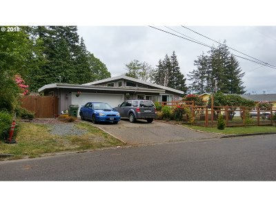 Coos Bay Single Family Home For Sale: 2820 Alderwood St