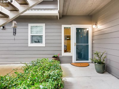 Wilsonville Condo/Townhouse For Sale: 30344 SW Ruth St #61
