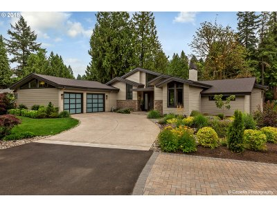 Lake Oswego Single Family Home For Sale: 17388 Cedar Rd