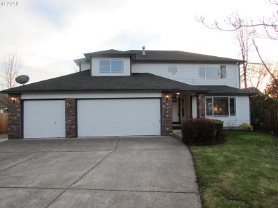 Troutdale Single Family Home For Sale: 2349 SW Fox Ct