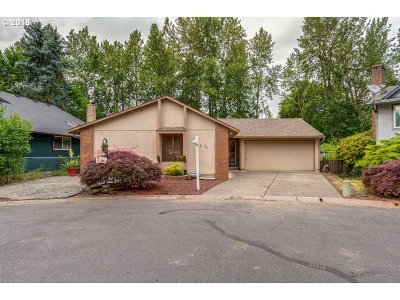 Gresham Single Family Home For Sale: 11 SE 205th Pl