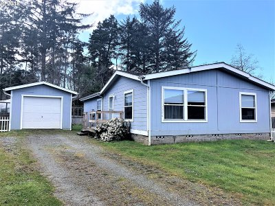 Bandon Single Family Home For Sale: 1286 June Ave