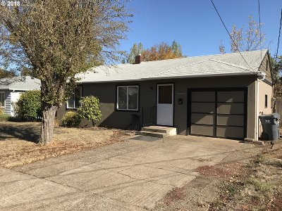 Eugene Single Family Home For Sale: 2045 Hayes St