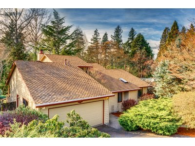 Portland Single Family Home For Sale: 10205 SW 36th Pl