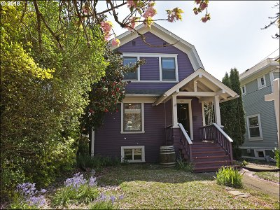 Portland Single Family Home For Sale: 3836 SE Yamhill St