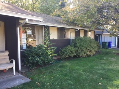 Gresham Single Family Home For Sale: 23622 SE Oak St