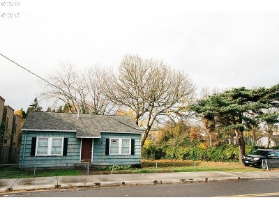 Portland Multi Family Home Pending: 8415 SW 19th Ave