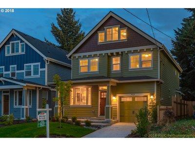 Clackamas County, Multnomah County, Washington County Single Family Home Bumpable Buyer: 922 N Farragut St