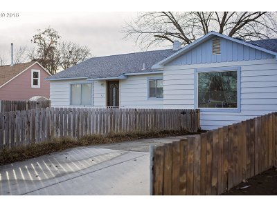 Hermiston Single Family Home For Sale: 235 NW 11th St