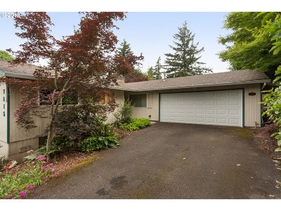 Tigard Single Family Home For Sale: 7215 SW Shady Ct