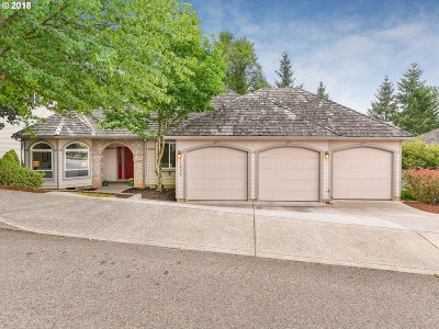 Clackamas Single Family Home For Sale: 11250 SE Highland Loop