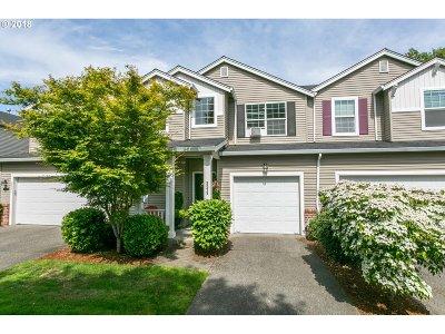 Hillsboro Single Family Home For Sale: 3079 SE Robin Cir