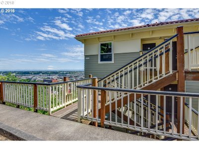 Condo/Townhouse For Sale: 424 NW Uptown Ter #4A