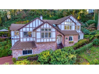 Lake Oswego Single Family Home For Sale: 16586 Phantom Bluff Ct