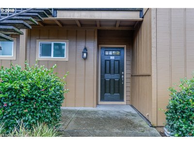 Portland Condo/Townhouse For Sale: 1924 NW 143rd Ave #55