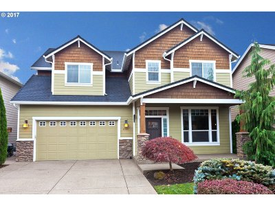 Milwaukie Single Family Home For Sale: 4984 SE Briar Ct