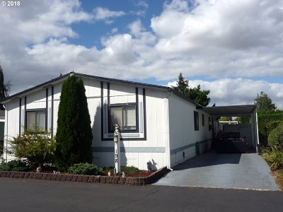 Eugene Single Family Home For Sale: 1400 Candlelight Dr #198