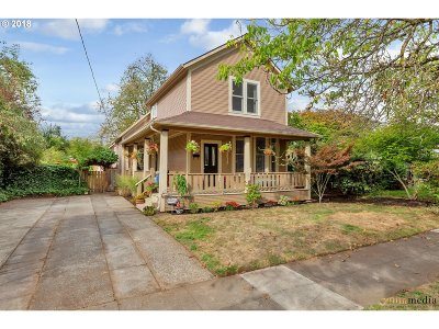 Clackamas County, Multnomah County, Washington County Single Family Home For Sale: 8519 N Woolsey Ave