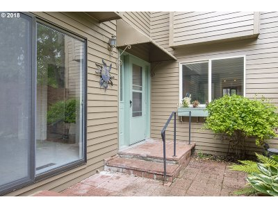 Yamhill County Condo/Townhouse For Sale: 1253 NW Michelbook Ln