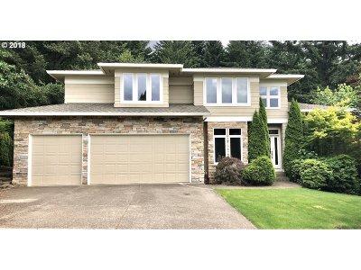 Milwaukie, Clackamas, Happy Valley Single Family Home For Sale: 10440 SE Nicole Loop