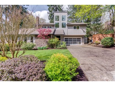Lake Oswego Single Family Home For Sale: 3075 Royce Way