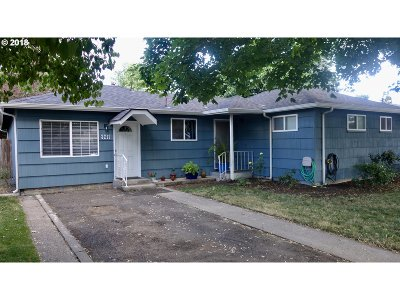 Springfield Single Family Home For Sale: 3217 Oriole St