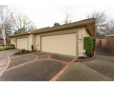 Wilsonville Single Family Home For Sale: 32500 SW Lake Point Ct