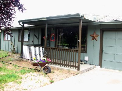 Sutherlin Single Family Home For Sale: 1090 Lester St