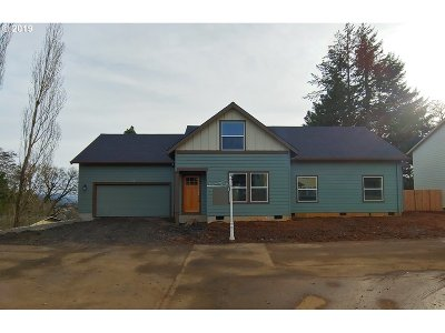 Willamina Single Family Home For Sale: 307 NW Pacific Hills Dr